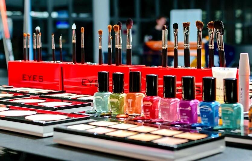 Как превратить салон красоты в процветающий бизнес: 7 шагов к успеху